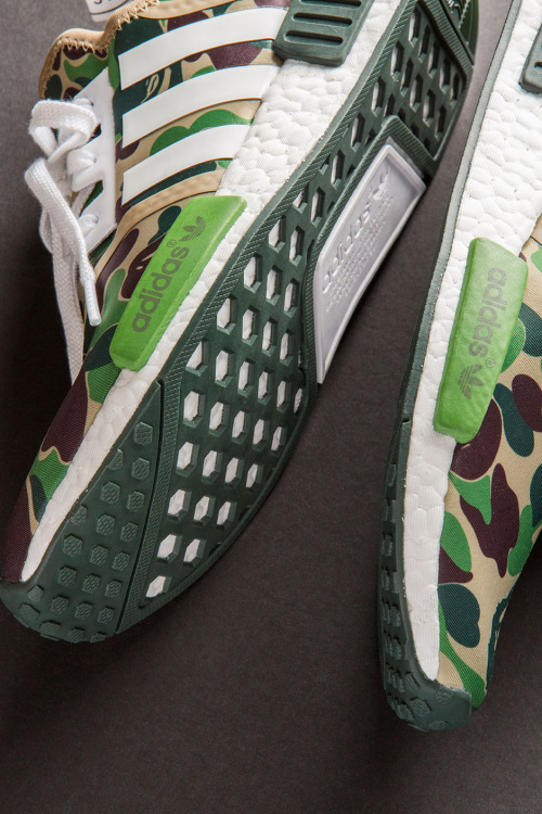 closer-look-a-bathing-ape-adidas-nmd-r1-5.jpg
