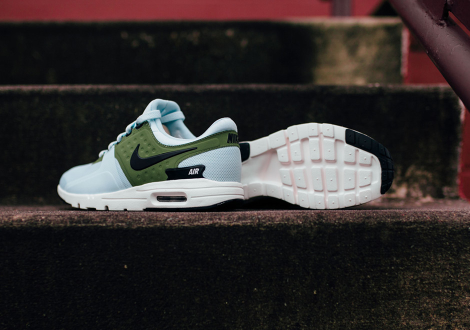 Nike_Air-Max-Zero_Wmns_Glacier-Blue-green-5.jpg