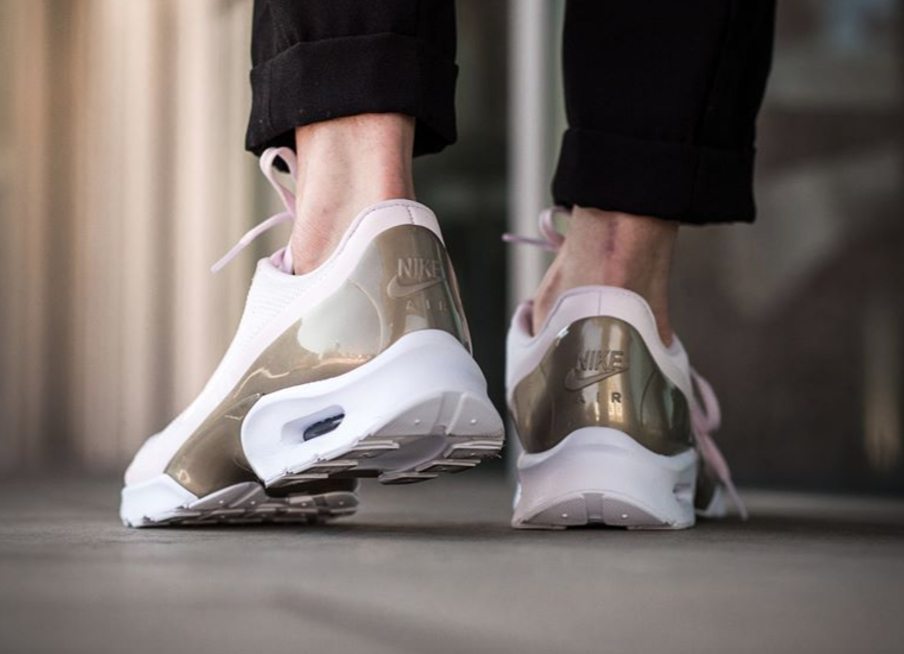 los angeles 32411 ef2f1 Cop or Can  Nike WMNS Air Max Jewell  Pearl Pink