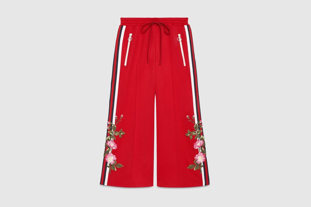 https---bae.hypebeast.com-files-2017-06-gucci-2017-pre-fall-tracksuits-b.jpg