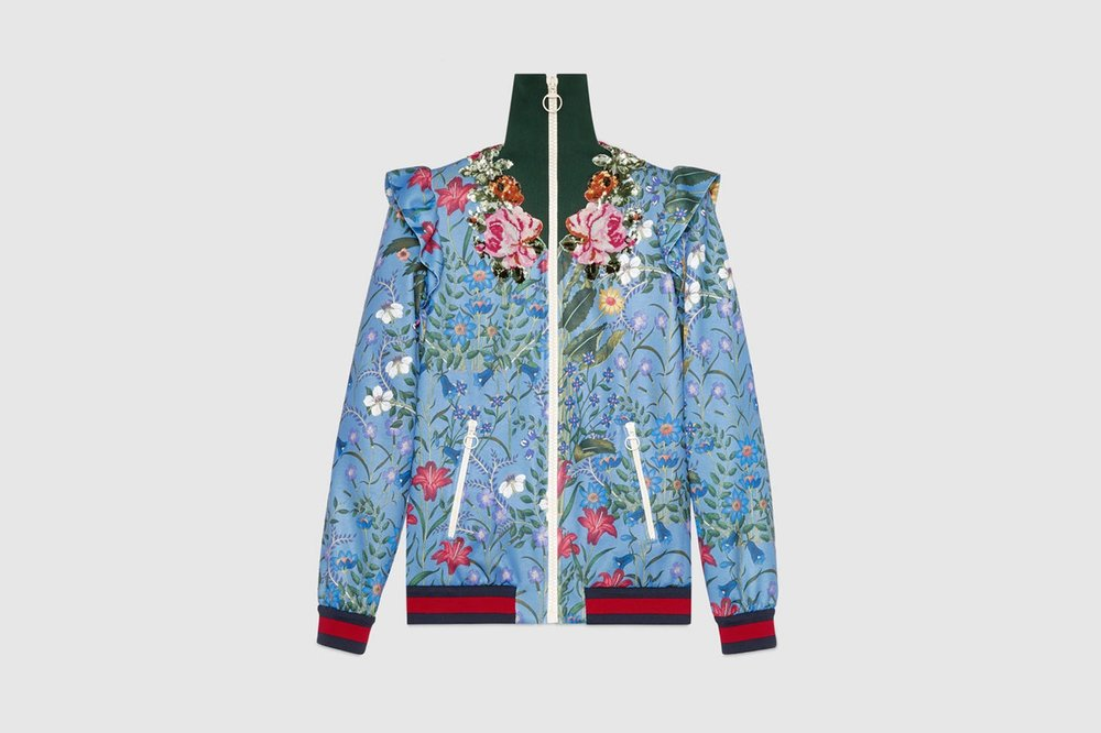 https---bae.hypebeast.com-files-2017-06-gucci-2017-pre-fall-tracksuits-f.jpg