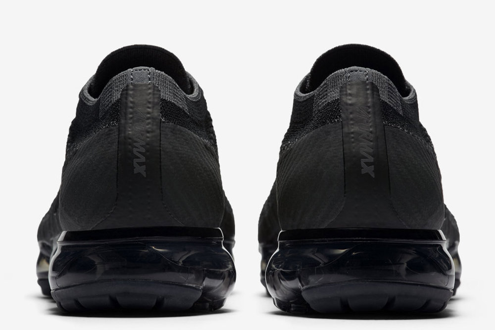 nike-air-vapormax-triple-black6-copy.jpg