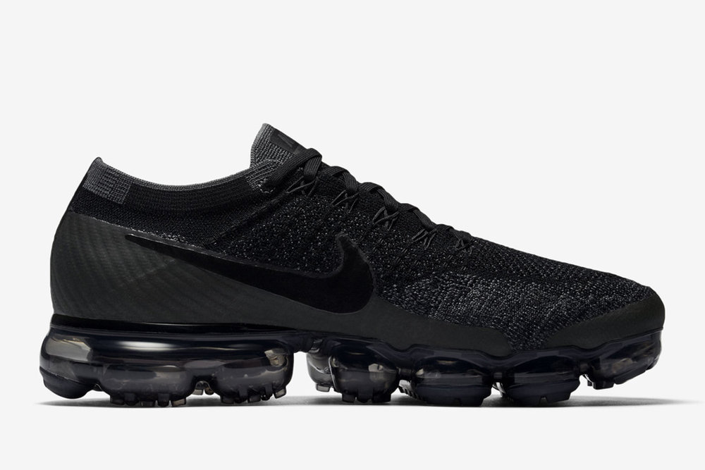 nike-air-vapormax-triple-black3-copy.jpg