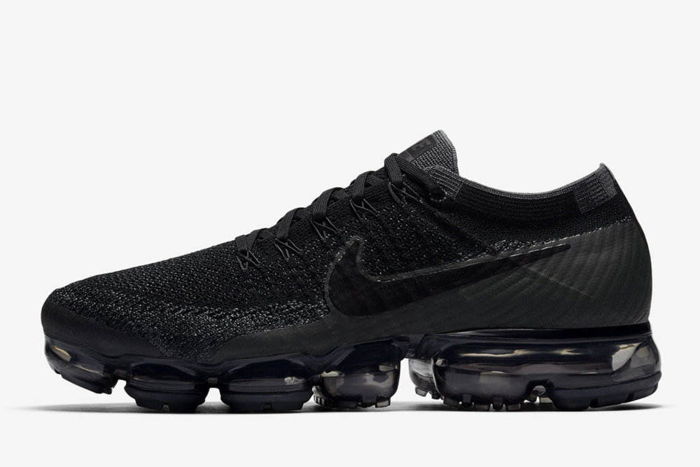 nike-air-vapormax-triple-black-copy.jpg