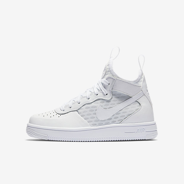 NIKE AIR FORCE 1 ULTRA MID