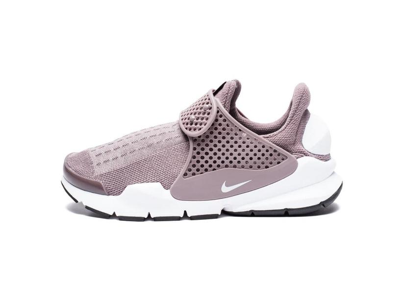 CNK-Nike-Sock-Dart-Taupe.jpg