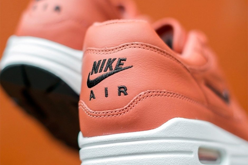 CNK-Nike-Air-Max-1-Jewel-Salmon-3.jpg
