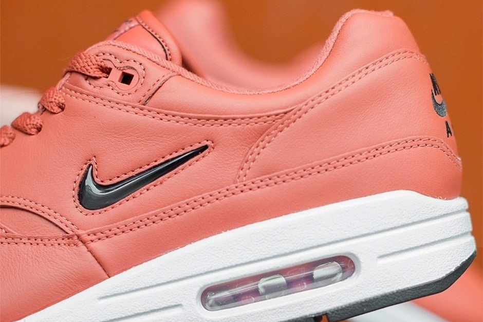 CNK-Nike-Air-Max-1-Jewel-Salmon-2.jpg
