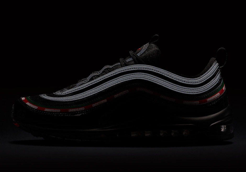undefeated-nike-air-max-97-black-official-images-AJ1986-001-07.jpg