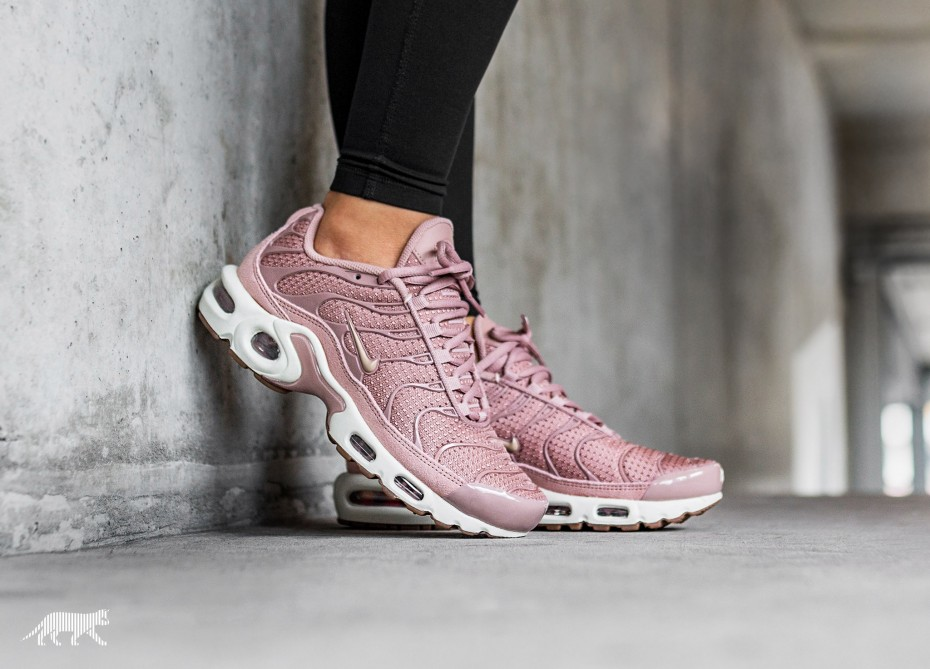 bcf58b7bbe9f86 This Nike Air Max Plus TN is Draped in Particle Pink
