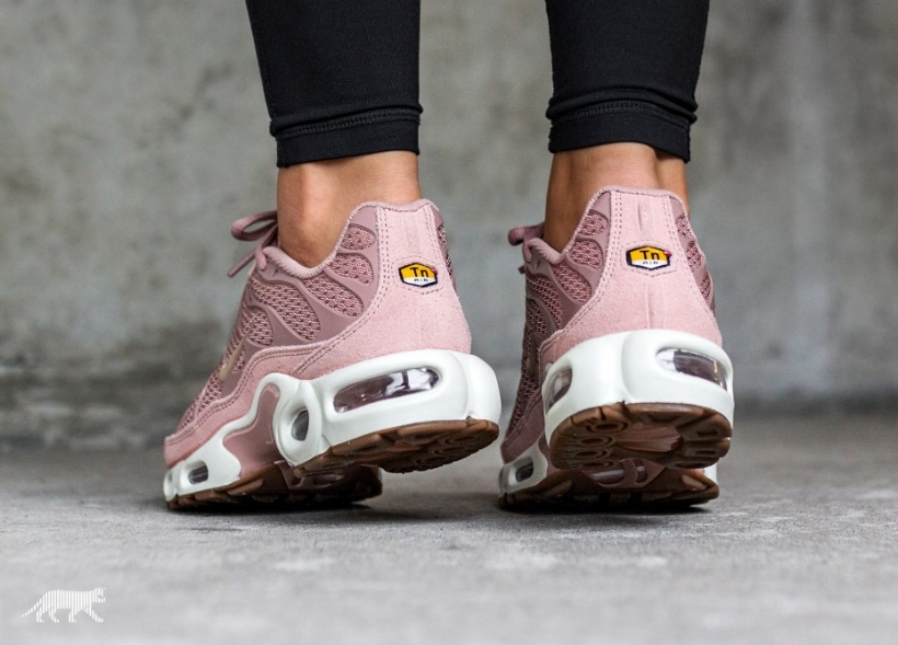 7a31fe60dcc4 This Nike Air Max Plus TN is Draped in Particle Pink — CNK ...