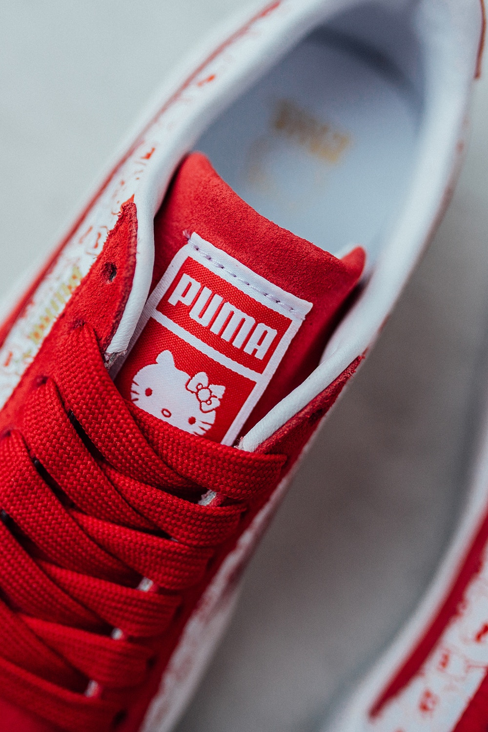 CNK-HELLO-KITTY-PUMA-SUEDE-10.jpg