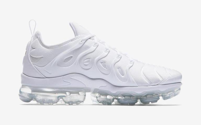 cnk-nike-air-vapormax-plus-triple-white-1.jpeg