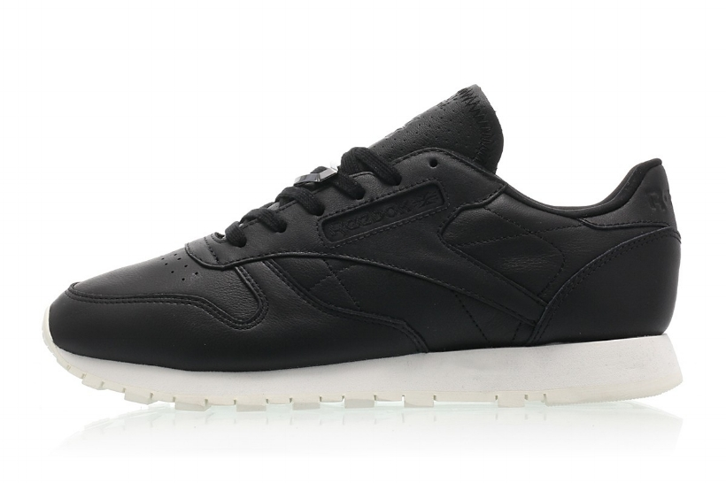 cnk-reebok-classic-leather-hardware-1.jpg