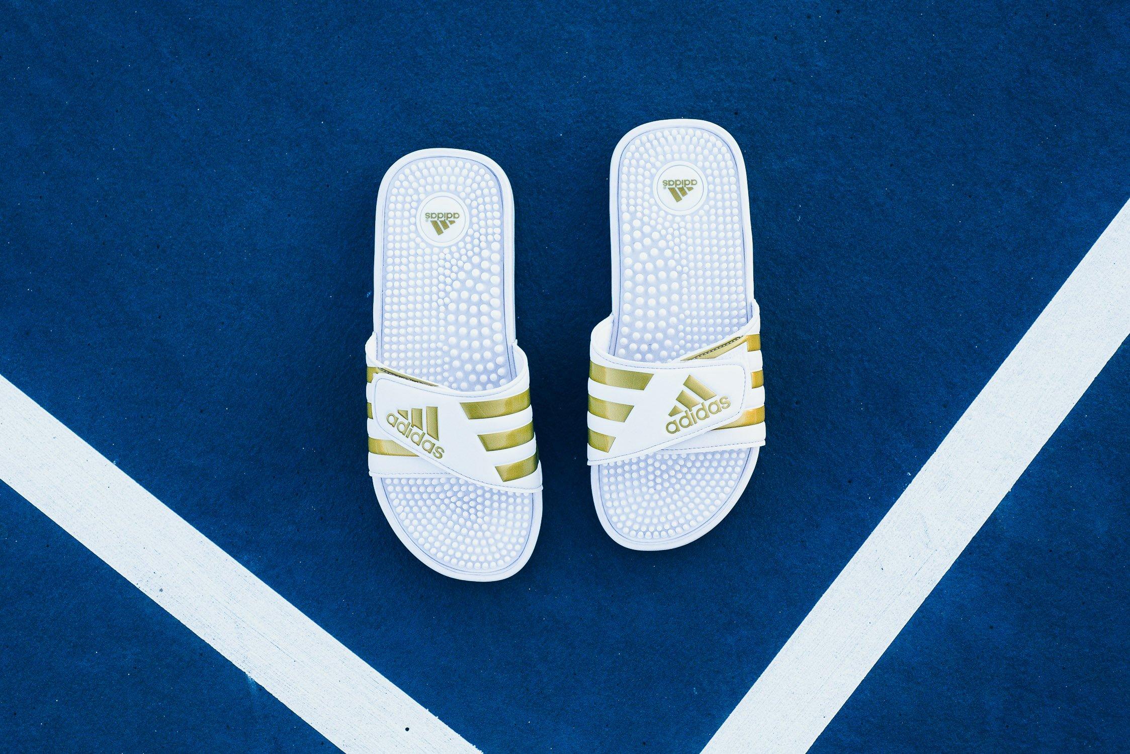 adidas Adissage Slides in White/Gold