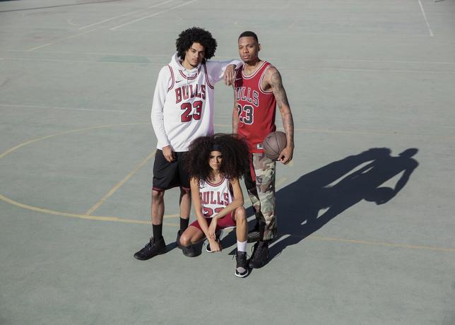 131b14ae6f4cbe Sneaker Style — CNK DailyChicksNKicks