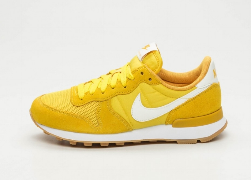 cnk-nike-wmns-internationalist-yellow-2.jpg