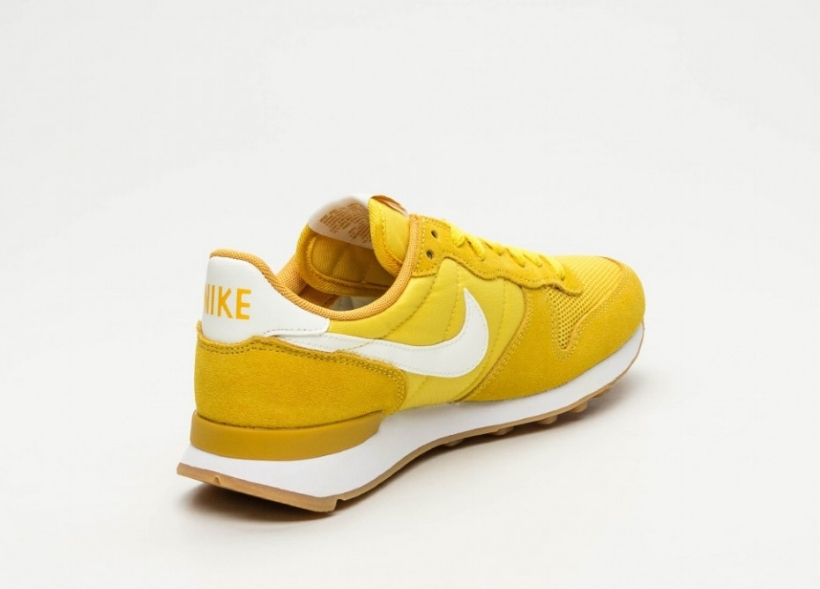 cnk-nike-wmns-internationalist-yellow-3.jpg