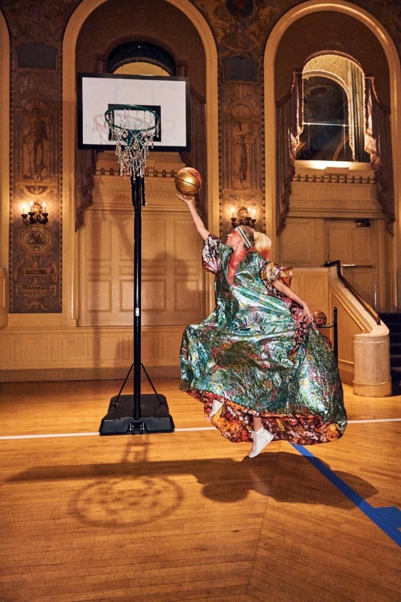 Elsa-Hosk-Basketball-Photoshoot04.jpg