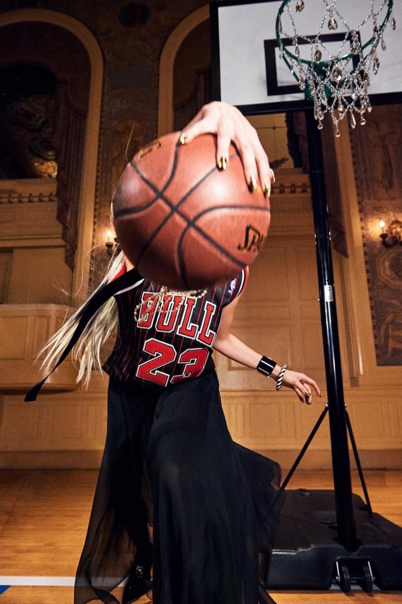 Elsa-Hosk-Basketball-Photoshoot06.jpg