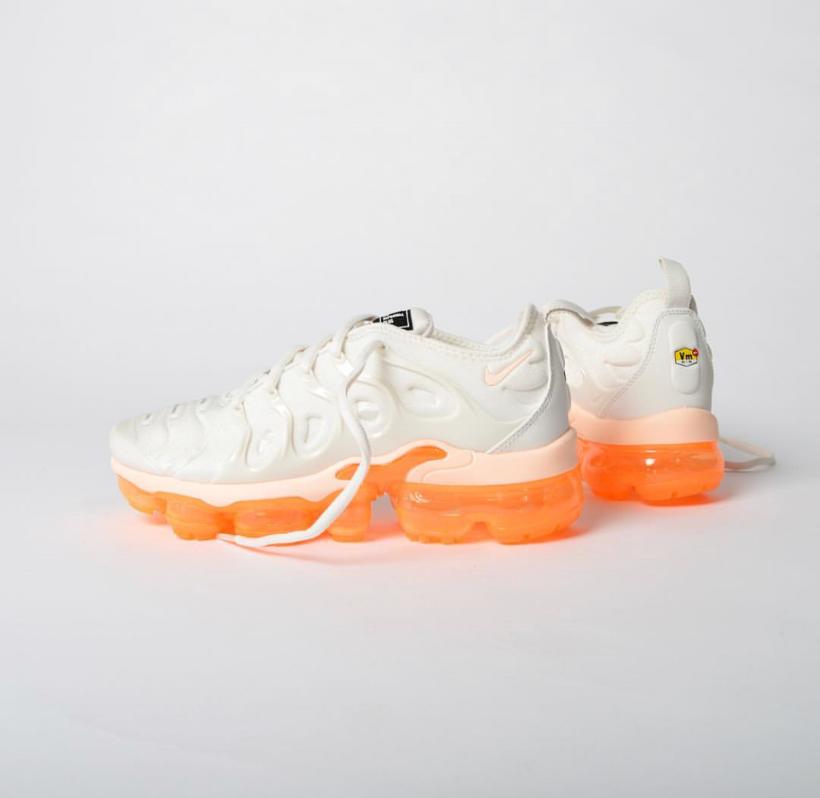 cnk-nike-air-vapormax-orange.png