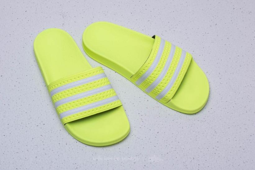 cnk-adidas-adilette-aero-blue (2).jpg