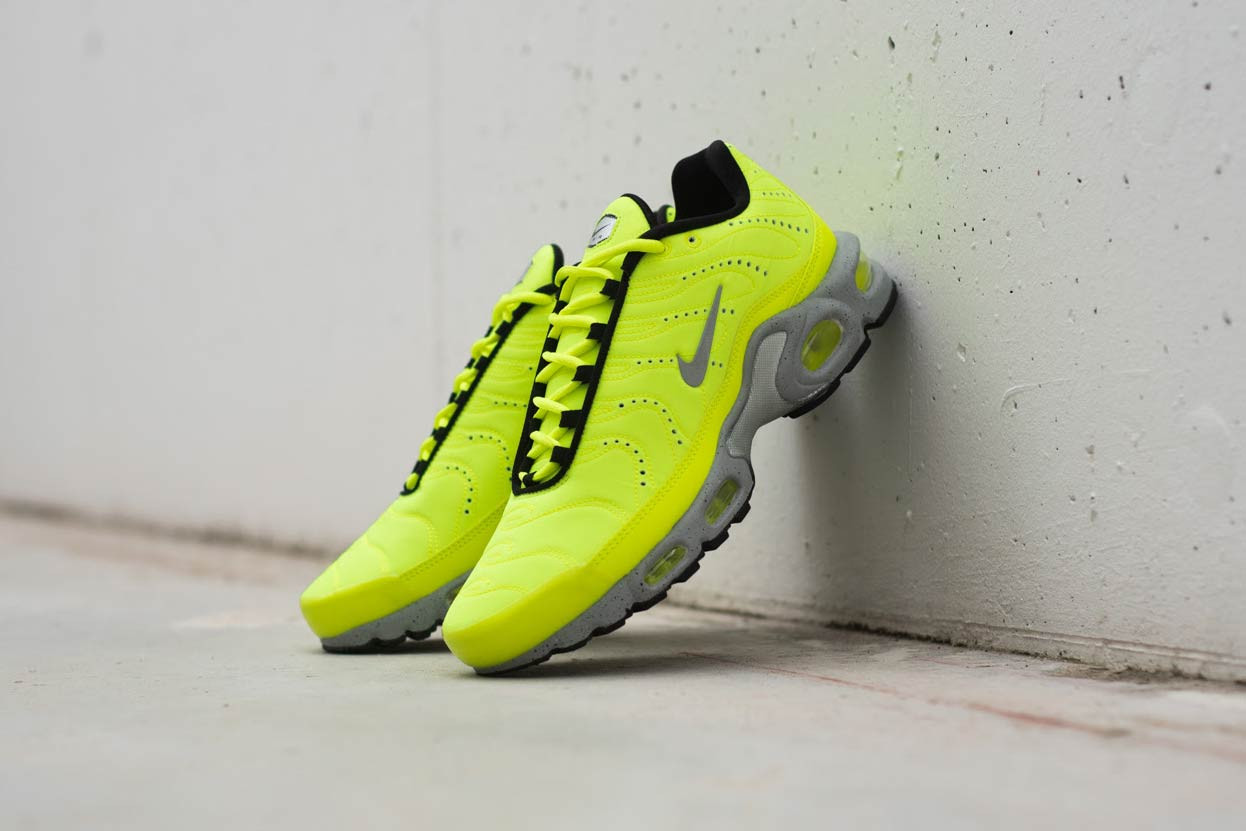 san francisco 54097 16d35 Stand Out With the 'Full Volt' Air Max Plus PRM — CNK Daily ...