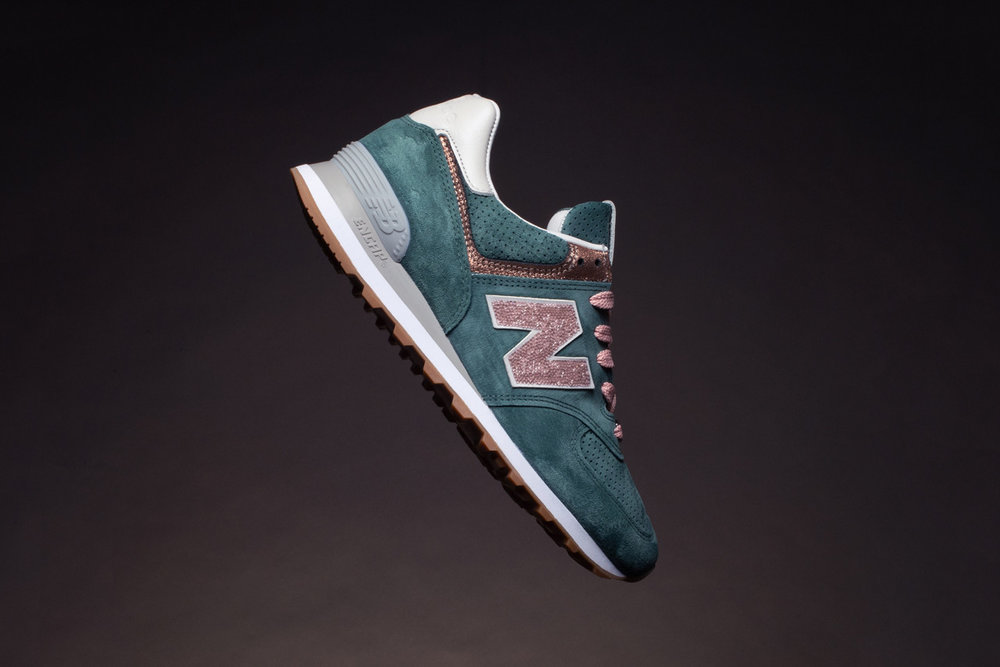 https_%2F%2Fhypebeast.com%2Fwp-content%2Fblogs.dir%2F6%2Ffiles%2F2018%2F11%2Fnew-balance-nb1-574-rose-peacock-black-grey-2.jpg