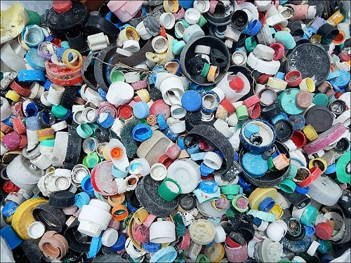 Debris-plastic-bottle-caps