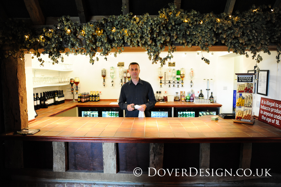 Kent Wedding Photographers - Dover Thatched Barn