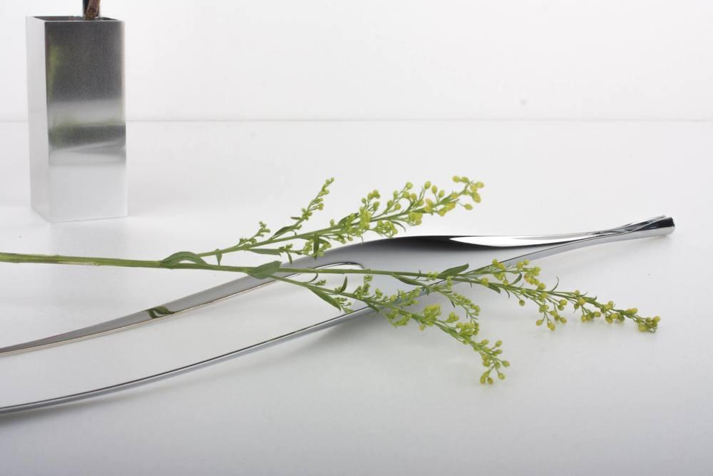 真空環境中的設計師可以專注於從藝術品延伸出腦袋中的理想設計。