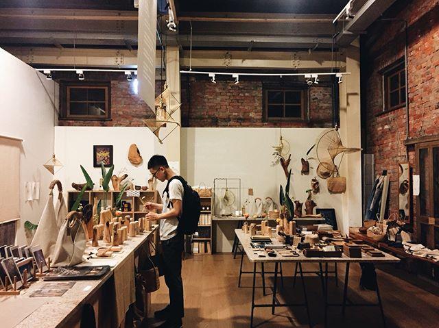 Visit our shop at Huashan 1914 Creative Park, located in a beautiful 100 year-old red bricks house. . . #kamaroan #taipei #huashan1914 #太平洋的風 #hualien #taitung #selectshop #craftsmanship #naturalmaterials