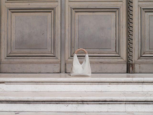 Woven triangle bag, inheriting the pangcah rattan peel weaving technique. . . . Salone del Mobile 2018 Kamaro'an . Lambrate Din Design In April 17 - 22 Daily 10am - 8pm . Via Massimiano 6, Via Sbodio 9, 20134 Milano . @promotedesign | @fuorisalone . . #milano #salonedelmobile #din2018 #milandesignweek2018 #kamaroan #lambrate #lambratedistrict #design #pangcah #weaving #craftsmanship #hualien #taiwan