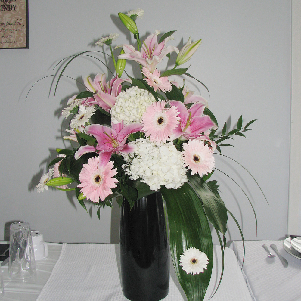 Amish Wedding Flowers 3-Middlefield Ohio-Flowers by Emily.JPG