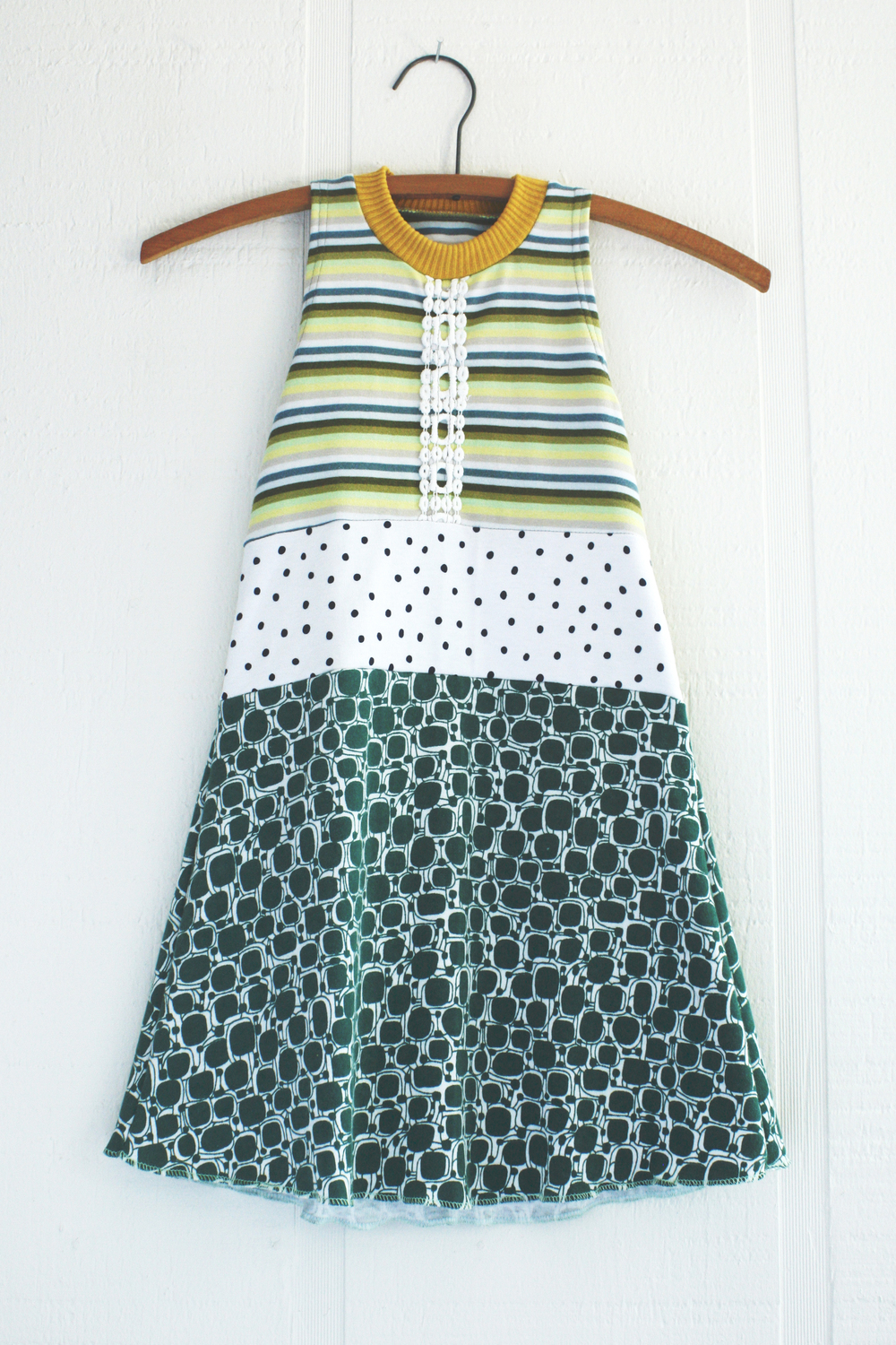 ⅘ trim:stripe:dots:retro:green.jpg
