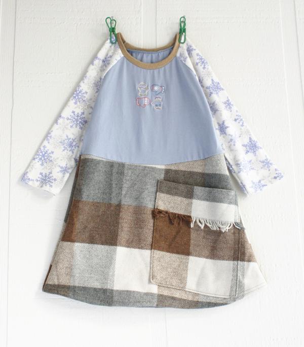 2T snowflakes:woolly:pocket:mittens:ls.jpg