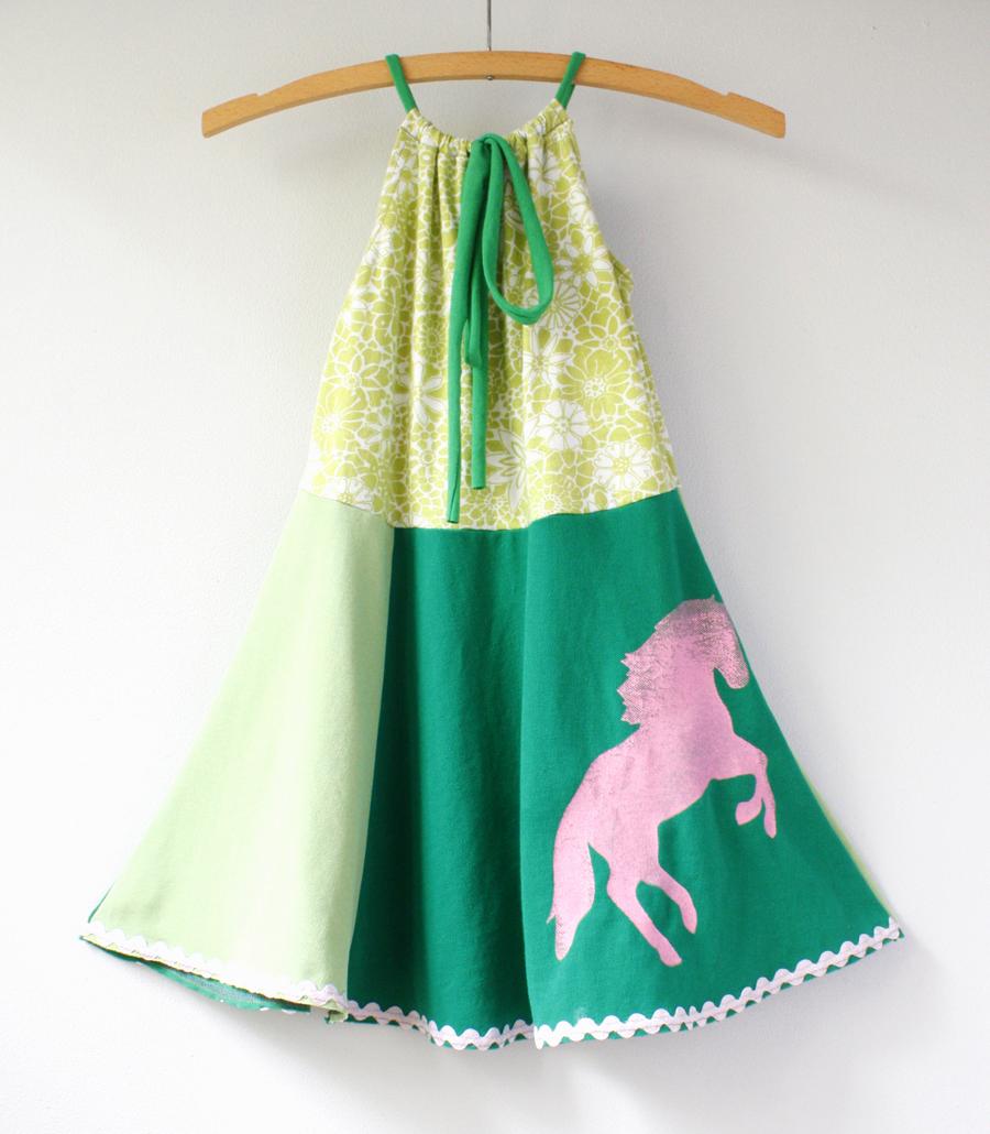 6:7 green:pony:pink:rr:tie.jpg
