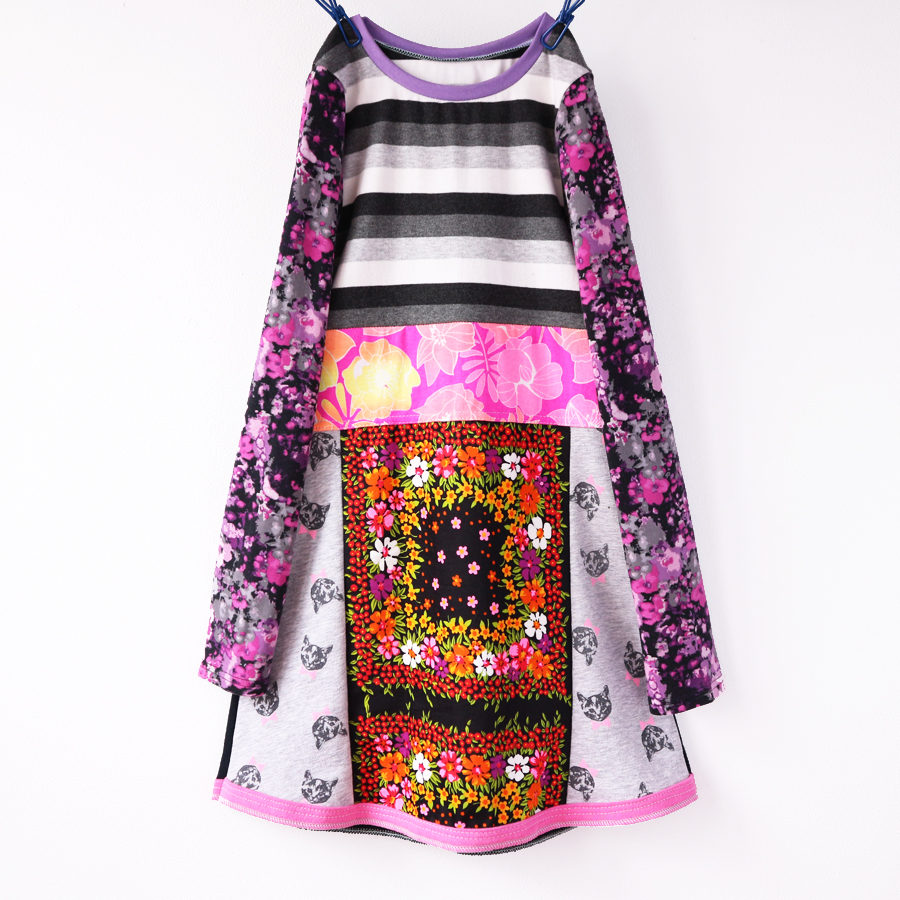 ⅞ cat:vtg:floral:pink:gray:ls.jpg