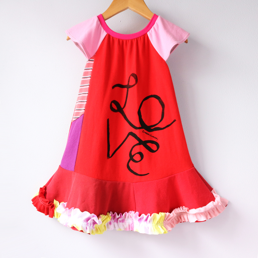 2T red:ruffles:LOVE:ribbon:flutter.jpg