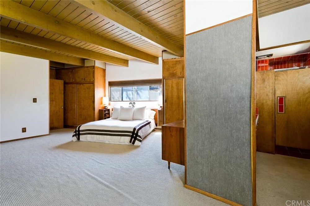 Bedroom 1 Entrance