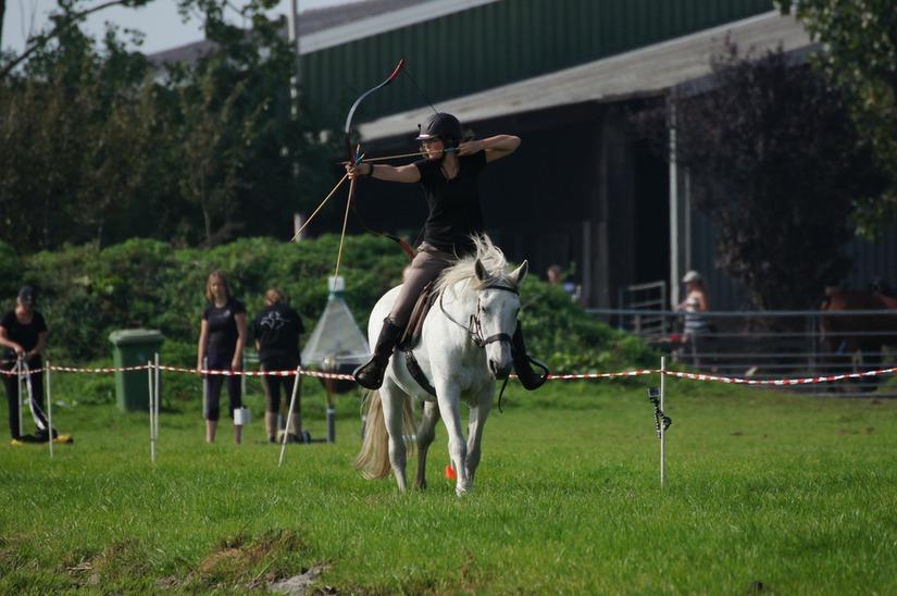 José oefent het zijwaartse schot in de Hongaarse stijl vanaf Vanilla tijdens een training in de buurt van Amsterdam.