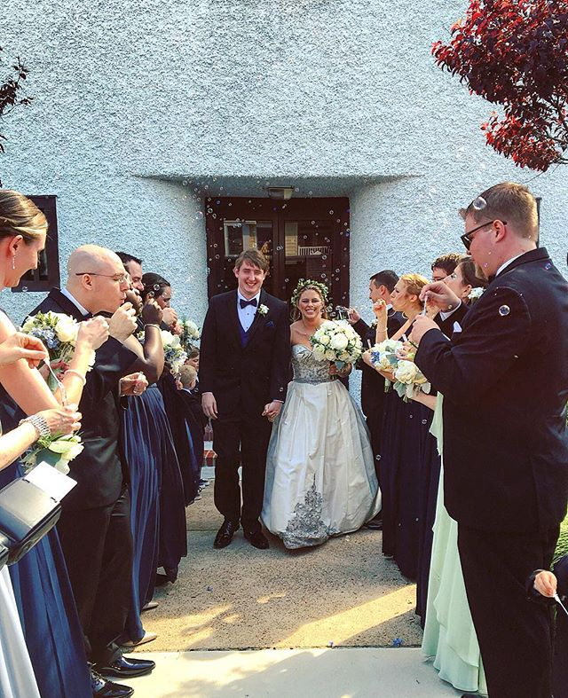 A bubble-filled sendoff for the new Mr. + Mrs. 💙 #EricGrabbedHayley #Bubbles #Ceremony #Mr #Mrs #Bride #Groom #BridalParty #Avalon #WeddingPlanner #LJEvents