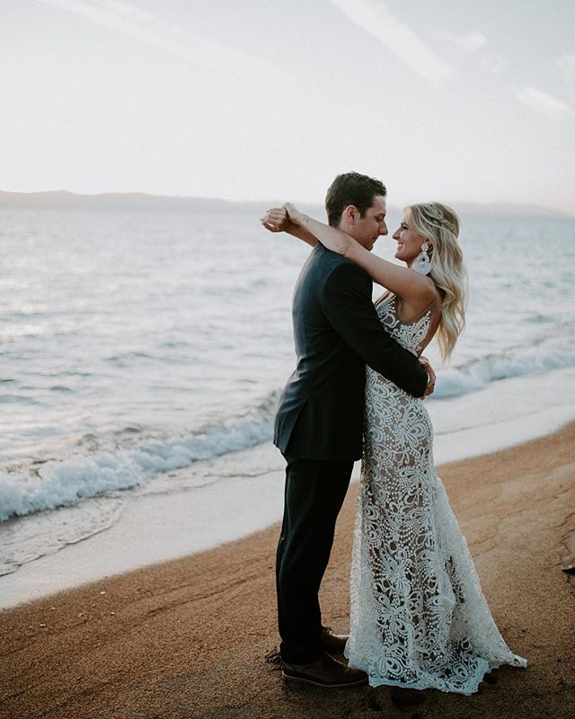 I thought everyone would want to sneak a peak at @lamacphee + Sean's intimate, lakeside wedding @edgewoodtahoe 😍 holy holy guacamole!! It was an honor to be there with these two and I feel so grateful to have clients that become friends 💕  Thank you both for having me- cheers 🥂  Venue - @edgewoodtahoe  Flowers - @twine_and_dandy  Dress - @madewithlovebridal  Bakery - @tahoecakesbygrace MUA - @theglamrefinery ✨ALSO can you two please come back to Tahoe soon?!?!!