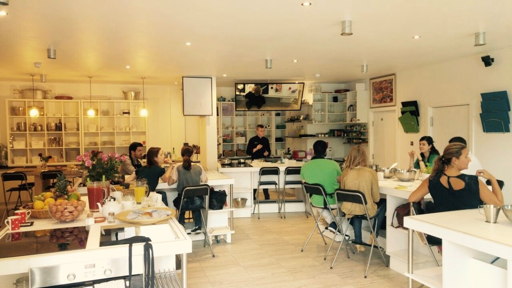 The Avenue Cookery School  is a family run business based in Wandsworth, London with a range of cookery courses from evening, day, corporate to longer two week courses.