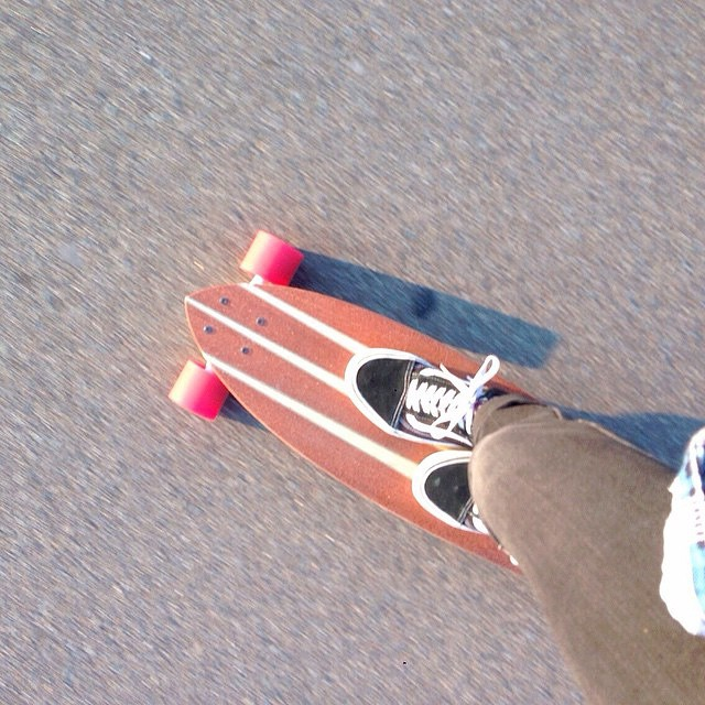 "Cross stepping on a Pin Tail 38"". Thanks @stylespy for sharing the picture! #koastalboards #koastal #longboarding #longboard #skate #skateboarding #pintail #coastal #surftostreet #surfthestreets #skate #skateboarding #madeintheusa #handmade"
