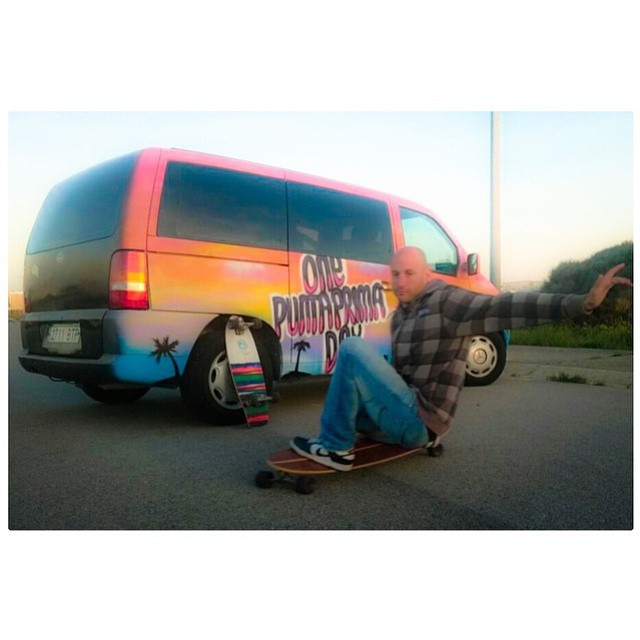Thanks @lunatics_surfmenorca for sharing this picture with us. Sweet van! #koastalboards #koastal #surftostreet #surfthestreets #skate #skateboarding #surf #surfing #longboard #longboarding