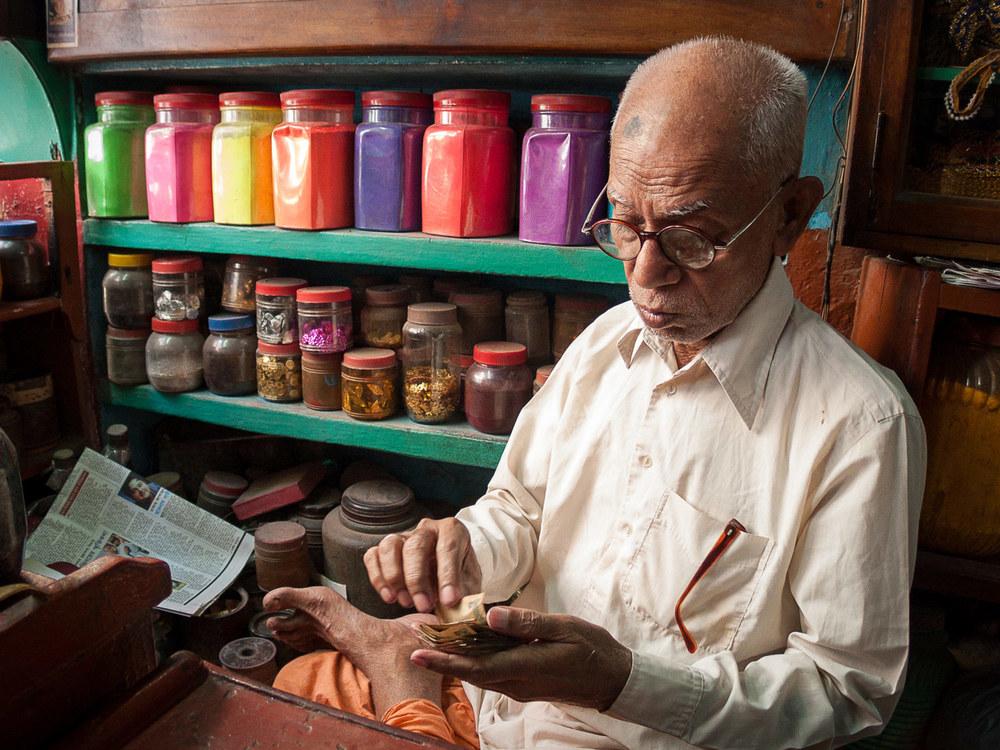bangladesh-old-dhaka-shop.jpg
