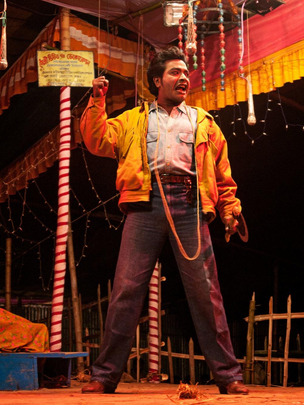 Bangladesh-jatra-actor-gangster.jpg