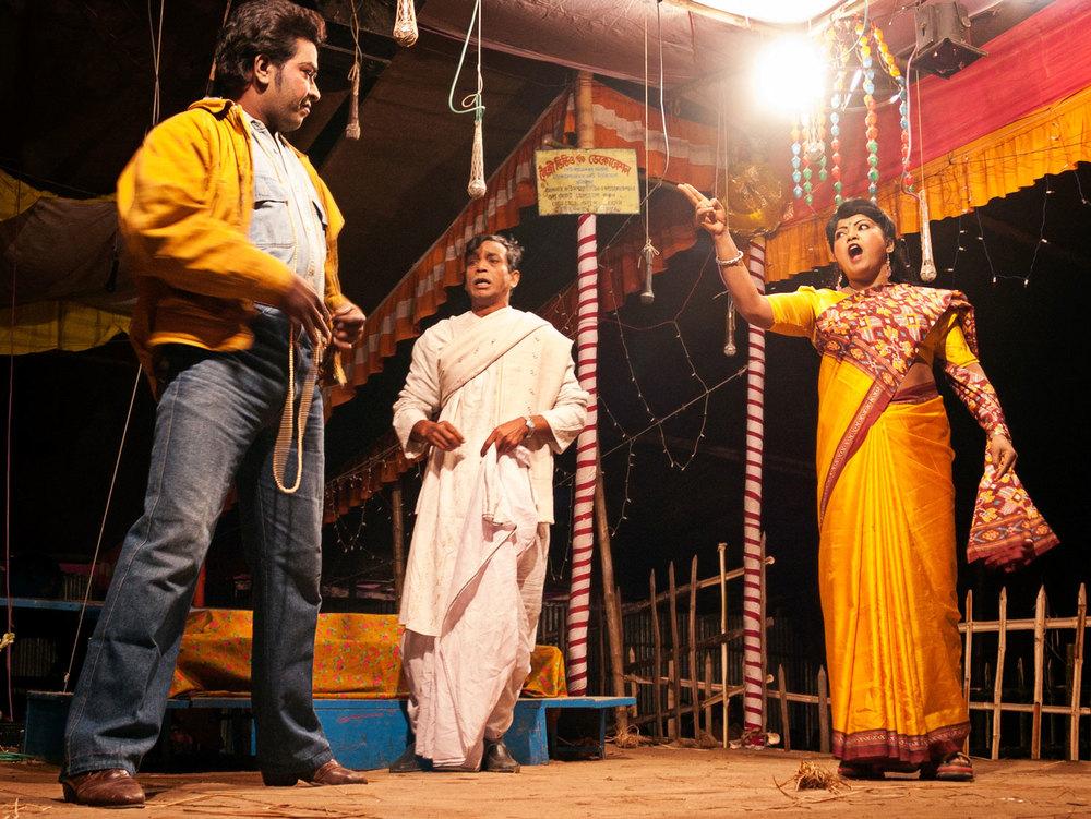 Bangladesh-jatra-actors-drama.jpg
