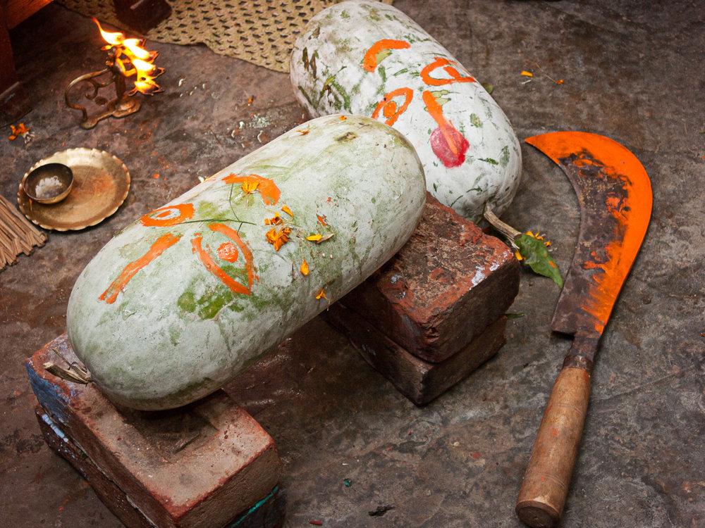 Bangladesh-hindu-durga-puja-machete.jpg